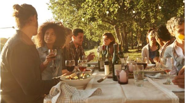 交友議題-鼓起勇氣和陌生人吃頓飯吧!